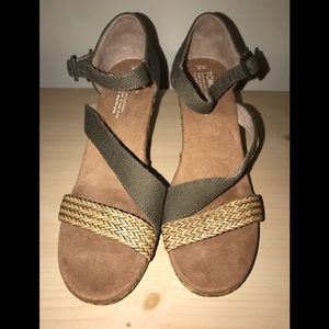TOMS NEW Clarissa Olive Textile Wedge Sandal